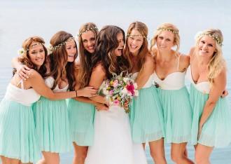 Preciosas invitadas de verano weddingpassion Foto de : Aimee + Sean's gorgeous handmade Hawaii wedding by STUDIO 1208