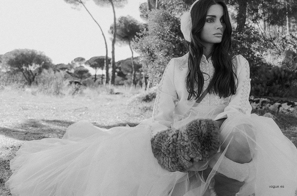 boda-de-temporada-invierno-weddingpassion-foto-VOGUE-complemento piel novia invierno 961 x 634