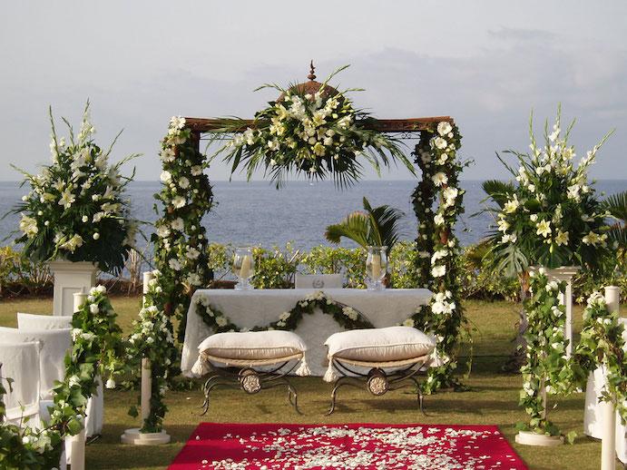 Bodas al aire libre con decoraciones m gicas wedding passion for Decoracion de jardin al aire libre