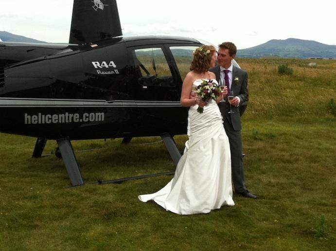 Opciones originales para llegar a tu boda www.weddingpassion.es via estrellabenaroch.wordpress.com