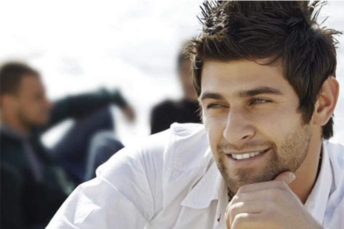 Enamorados momentos-que-enamoran-www.weddingpassion.es-mirada-de-hombre-enamorado-via-eva.hn 691 × 460