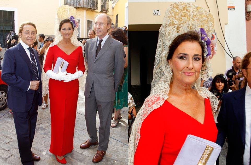 Normas-para-las-madrinas-de-boda-con-mantilla-www.weddingpassion.es-Carmen Tello 961 × 634