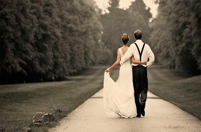 Tu boda en una finca www.weddingpassion.es pareja novios 681x456