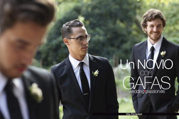 Gafas boda weddingpassion.es-articulos-novio-complementos-un-novio-con-gafas-691x460