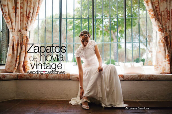 Zapatos novia vintage www.weddingpassion.es-zapatos-Doriani-691-x-460