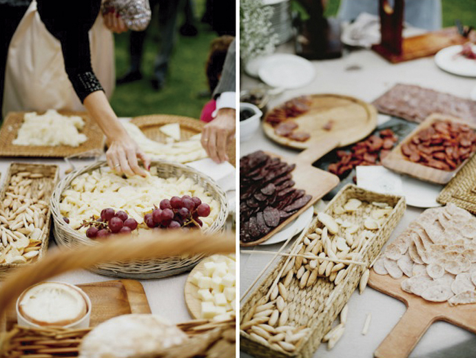 Un-corner-para-cada-boda-www.weddingpassion-mesa-de-queso-y-embutidos-para-boda-691x520.jpg