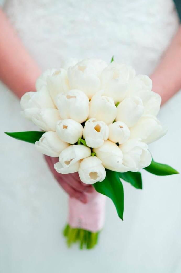 ramo-de-novia-con-tulipanes-691x1039