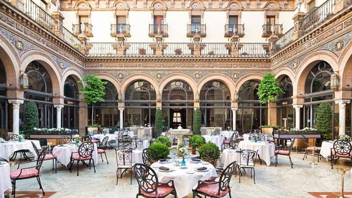 patio-andaluz-691x389