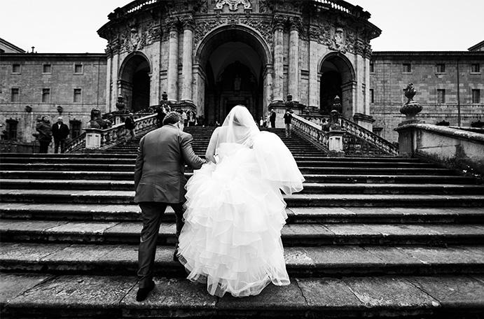 la-basilica-de-loyola-y-azpeitia-www.weddingpassion.es-foto-fuente-angel-conde-fotografia-padre hija 691 × 456