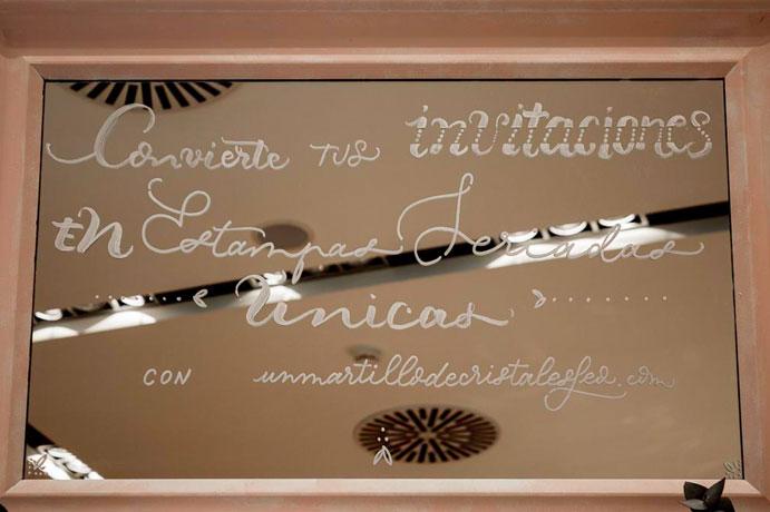 Un-martillo-de-cristal-es-feo-Caligrafia-para-tus-invitaciones-www.weddingpassion.es-9