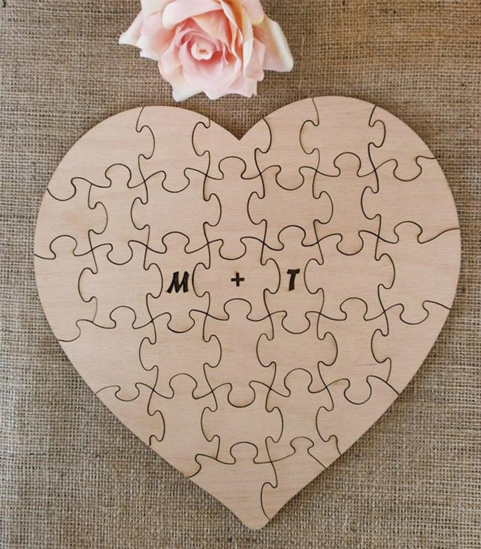 un puzzle como libro de firmas