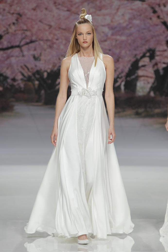 LLUVIA-DE-TENDENCIAS-www.weddingpassion.es-Barcelona-Bridal-Fashion-Week-Inmaculada-Garcia-04