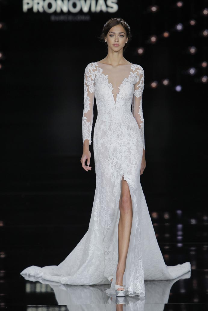 LLUVIA-DE-TENDENCIAS-www.weddingpassion.es-Barcelona-Bridal-Fashion-Week-Pronovias-01