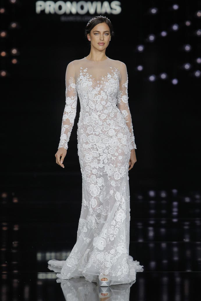 LLUVIA-DE-TENDENCIAS-www.weddingpassion.es-Barcelona-Bridal-Fashion-Week-Pronovias-02