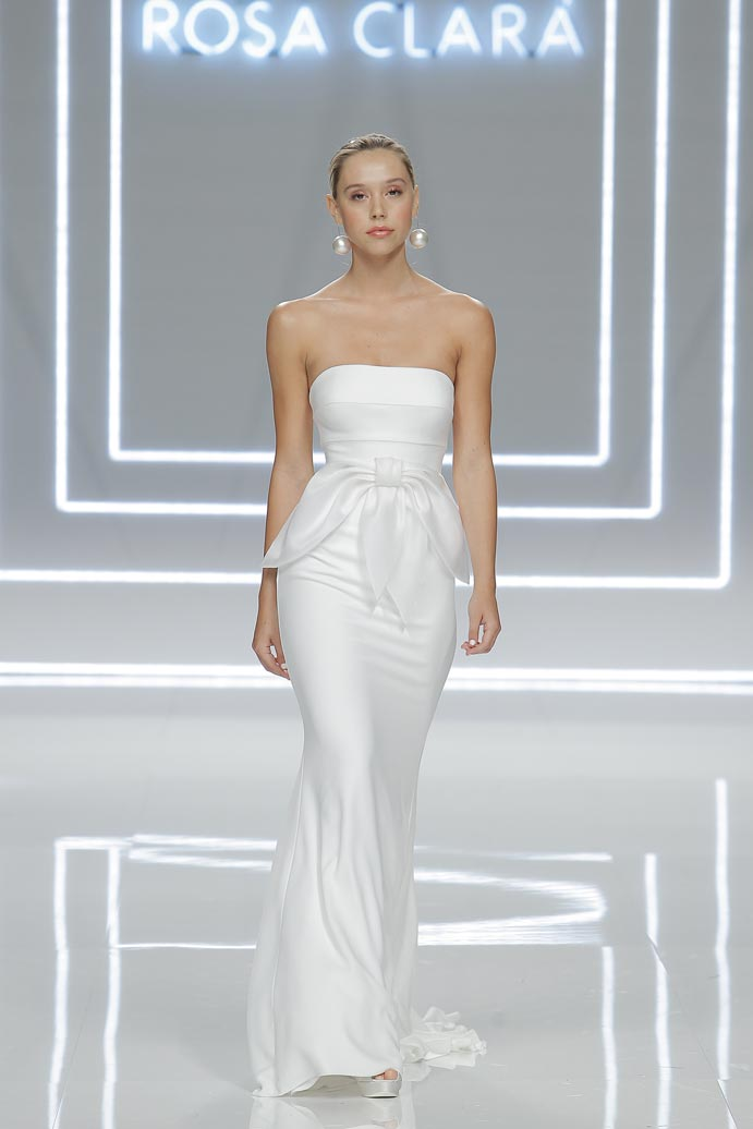 LLUVIA-DE-TENDENCIAS-www.weddingpassion.es-Barcelona-Bridal-Fashion-Week-Rosa-Clara-01