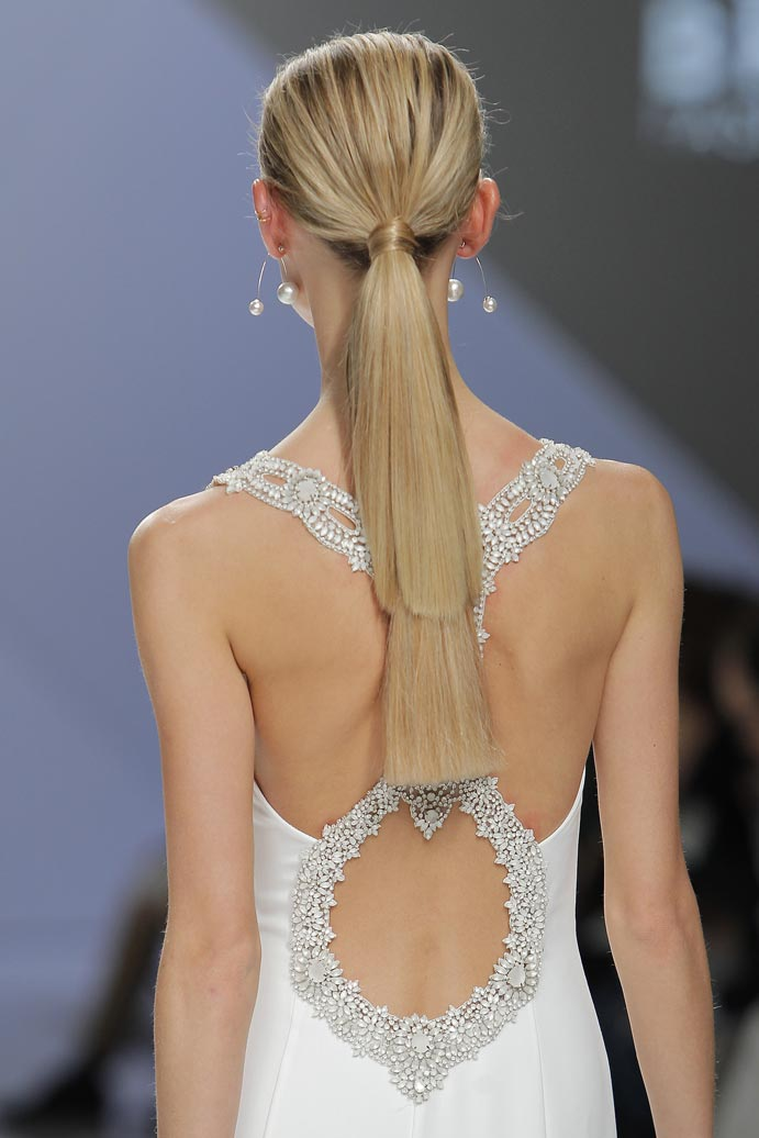 LLUVIA-DE-TENDENCIAS-www.weddingpassion.es-Barcelona-Bridal-Fashion-Week-Rosa-Clara-02