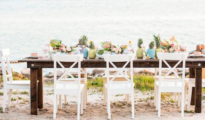 meseros-de-boda-originales-691x403