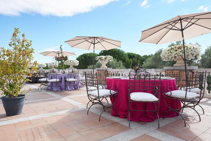 Un-soplo-de-aire-fresco-con-FINCA-LA-TAYADA-www.weddingpassion.es-foto-Instantanea-y-TomaPrimera-Terasa-691x-461-.jpg