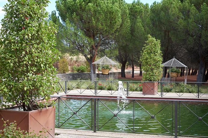 un-soplo-de-aire-fresco-con-finca-la-tayada-www-weddingpassion-es-foto-instantanea-y-tomaprimera-jardines-la-tayada-691x-460