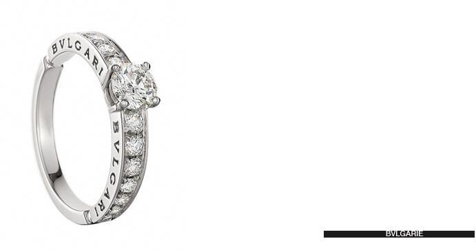 anillo-de-compromiso-mano-691x363