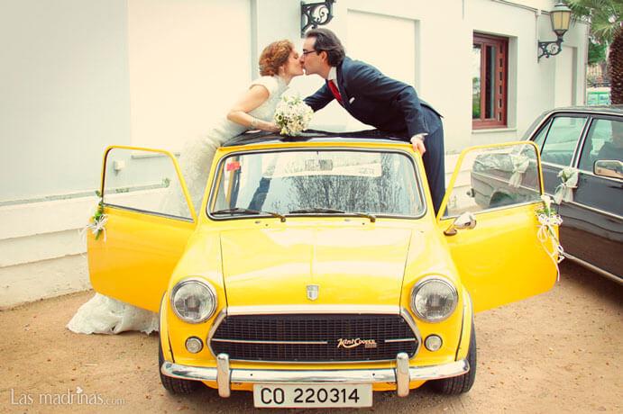 coche-vintage-boda-691x460