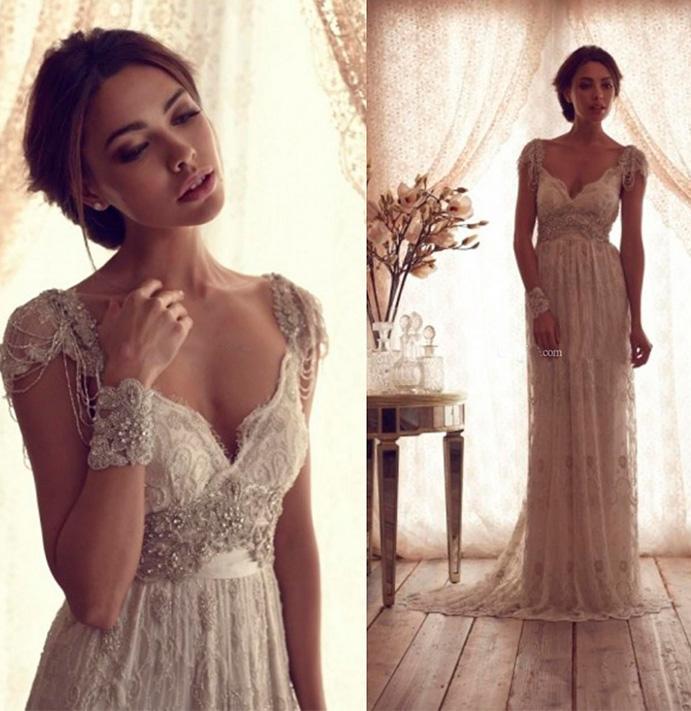 que-llevar-para-una-boda-lejos-de-casa-www-weddingpassion-es-via-vestidosnovia-691-x-711.jpg
