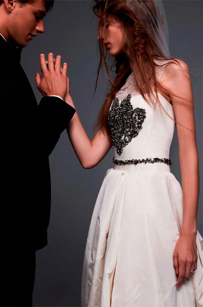 vestidos-de-novia-diferentes-691x1043