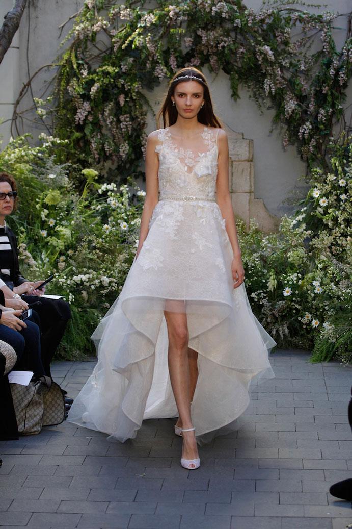 yo-me-caso-con-vestido-corto-de-novia-www-weddingpassion-es-monica-ihuller-pasarela-691x1037