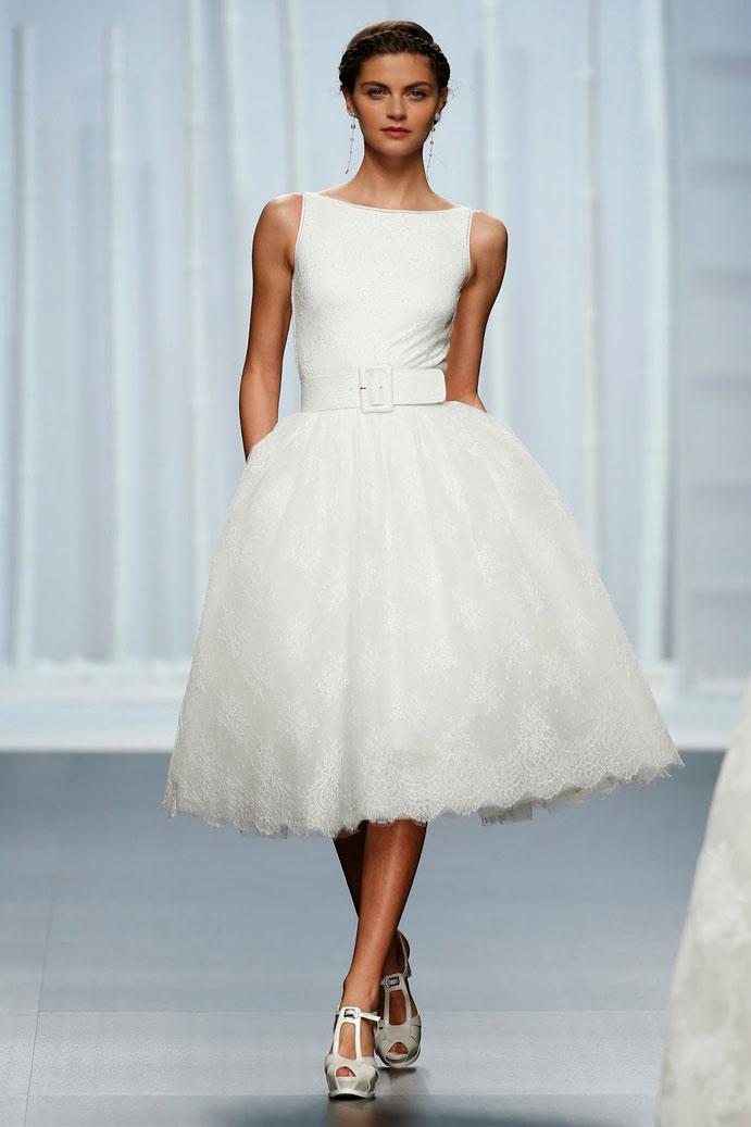 yo-me-caso-con-vestido-corto-de-novia-www-weddingpassion-es-rosa-clara-cinturon-691x1037
