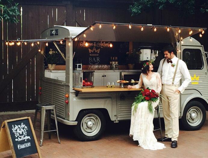 food-trucks-una-boda-sobre-ruedas-weddingpassion-es-e-ventoplanner-691-x-527