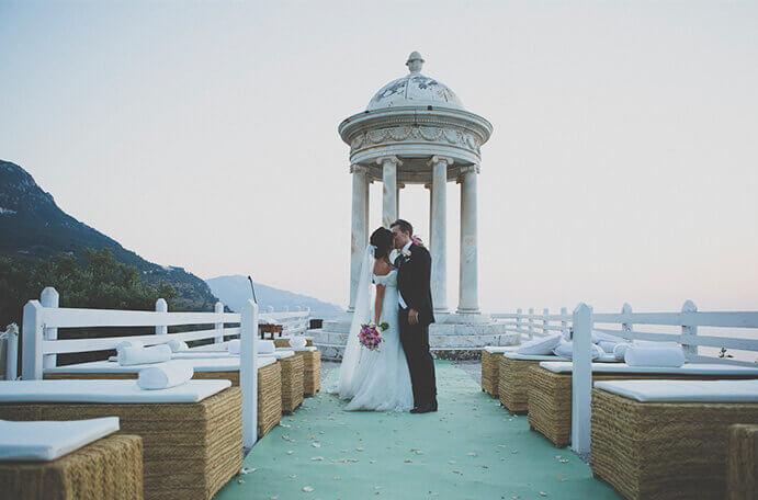 bodas-de-lujo-en-la-playa-691x456