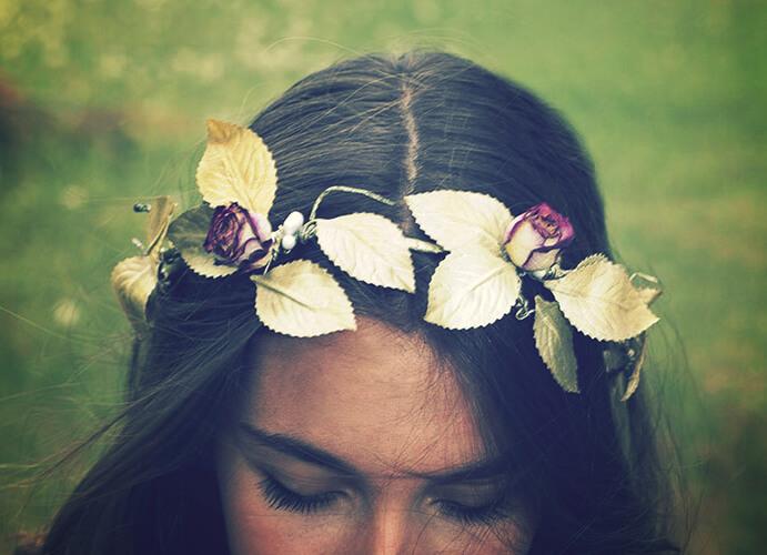 diademas-de-flores-para-bodas-691x500