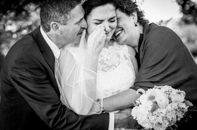 que-regalar-a-los-padres-el-dia-de-mi-boda-691x456