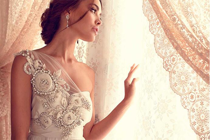 vestidos-de-novia-bordados-691x461