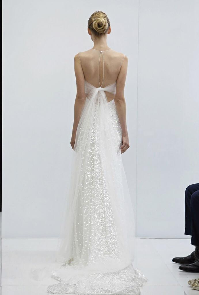 Vestidos-novia-espalda-descubierta-Angel-Sanchez-691-x-1023