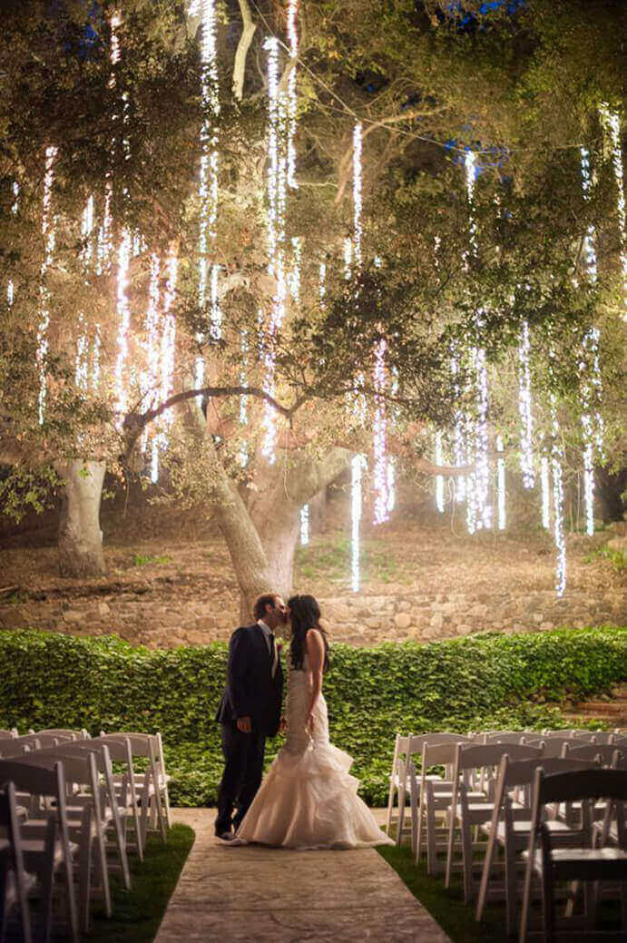 iluminacion-de-bodas-en-jardin-691x1039
