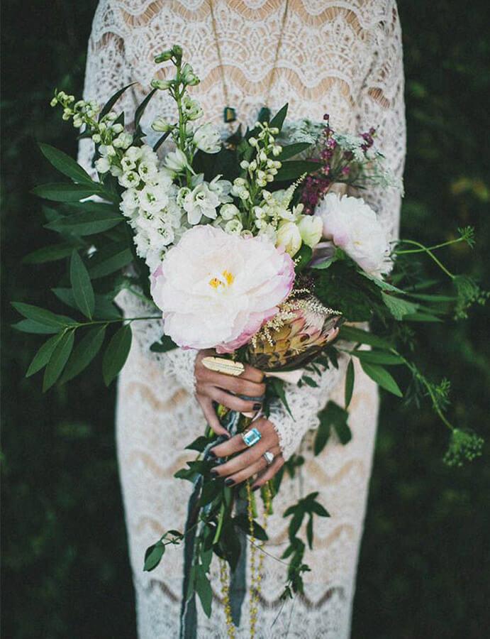 ramo-de-flores-novia-691x900