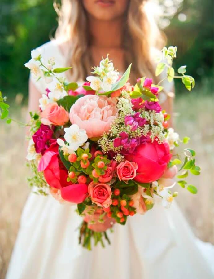 ramo-flores-novia-691x900